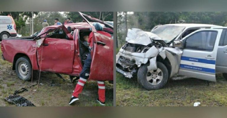CA-5: choque entre pick-up y carro del Estado deja un muerto y varios heridos