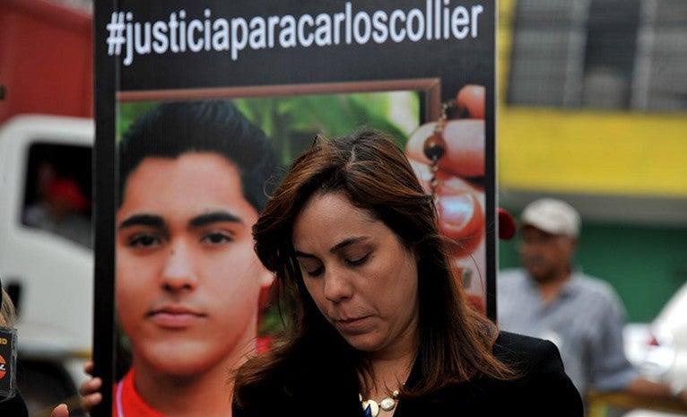 """""""Me quebró el corazón"""": madre de Carlos Collier recrea saludo de su hijo con una app"""