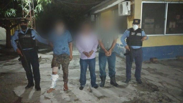 Valle: arrestan a cuatro sujetos que habrían atacado a balazos a policías