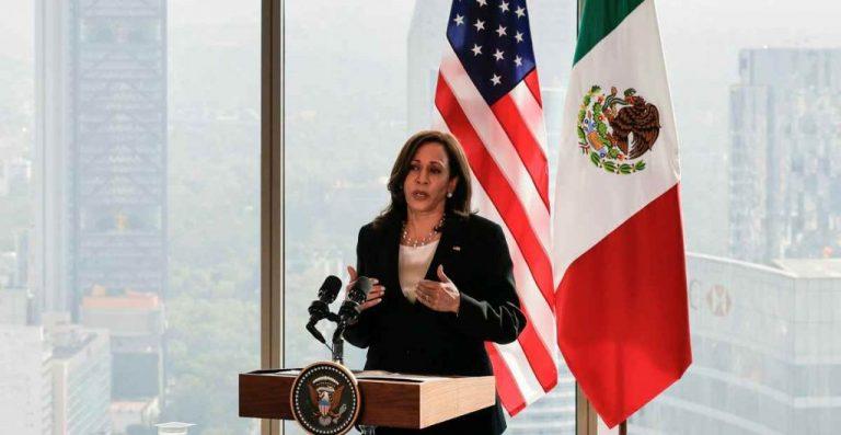 """Vicepresidenta de EEUU visita frontera con México para ver """"efectos"""" de la migración"""