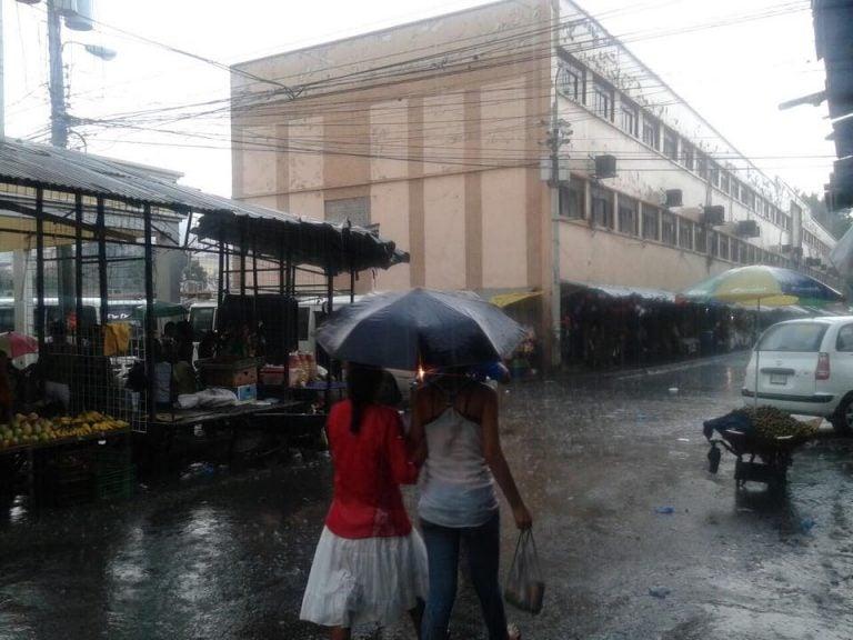 CLIMA DEL SÁBADO: Hasta 30 milímetros de lluvia en el suroccidente del país