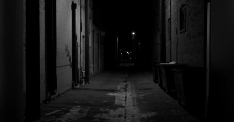 15 años de cárcel: le ofreció pagarle, ella se negó y la violó en un callejón