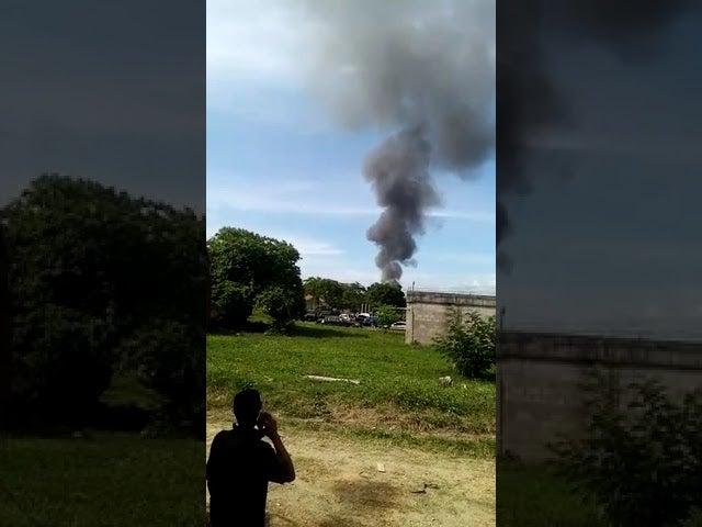 Cierran paso: incendio consume planta de Tropigas en Villanueva