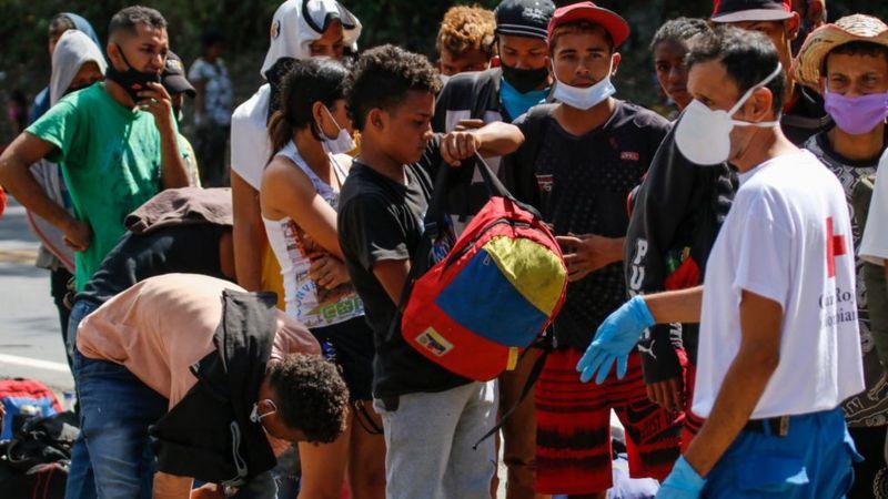 116872374_migrantes.vzla-colommbia
