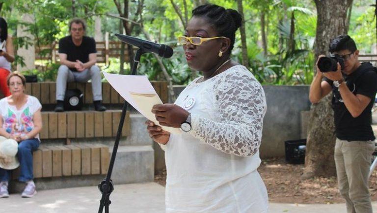 Xiomara Cacho, una hondureña que traspasa fronteras con su poesía