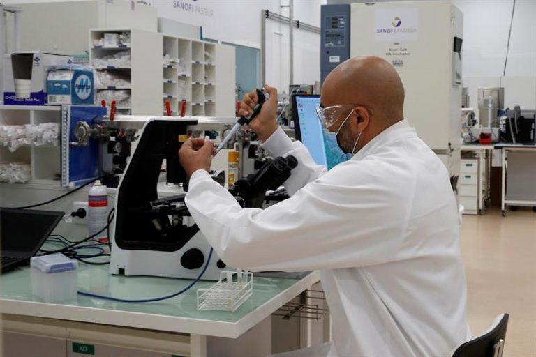 Farmacéutica francesa iniciará ensayo de su vacuna Sanofi en hondureños