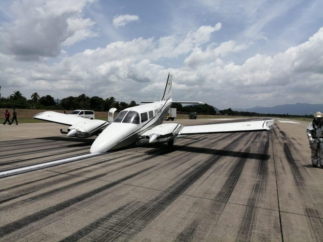 aeronave aterriza de emergencia