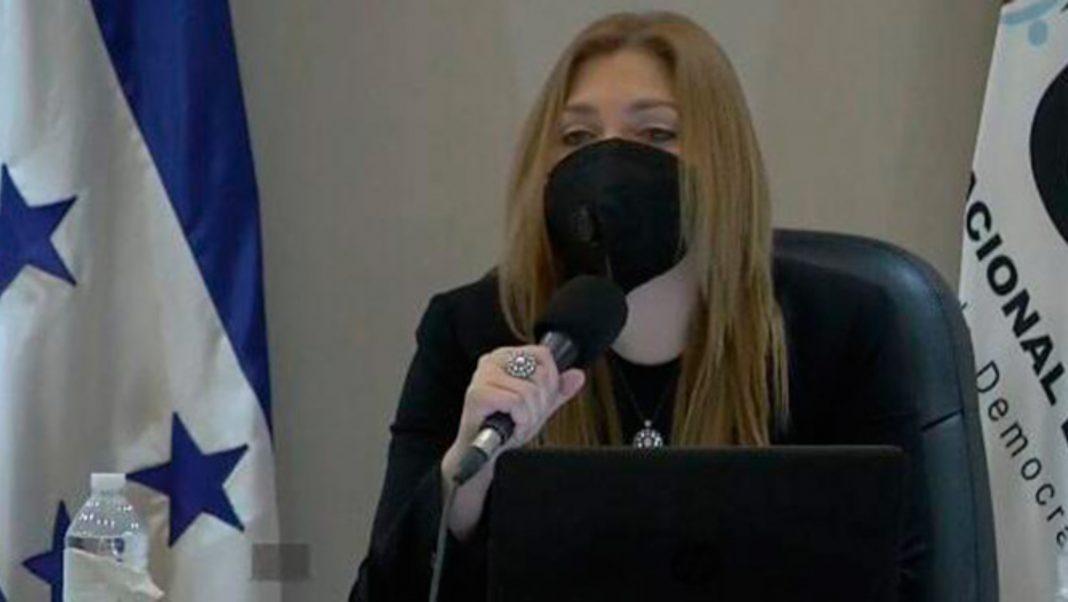 Ana Paola Hall autonomía CNE