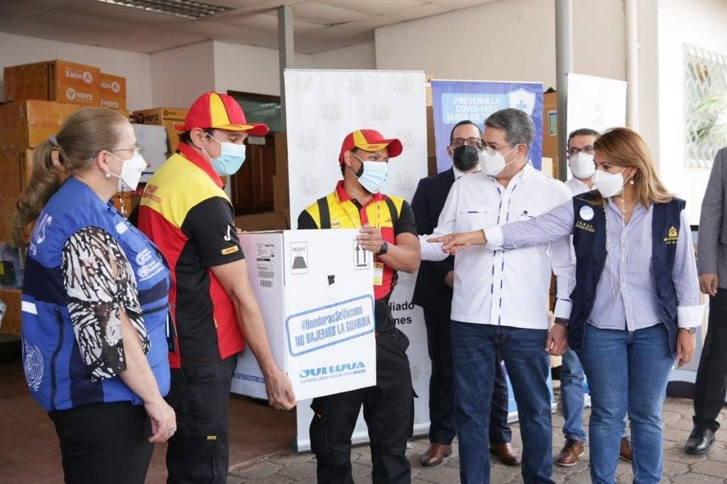 llegan vacunas de Pfizer a Honduras