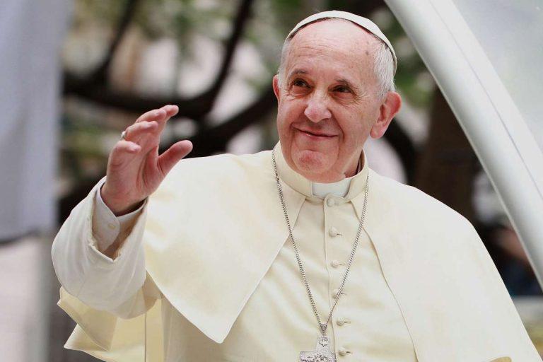El Papa Francisco entra al quirófano; vea por qué es la cirugía