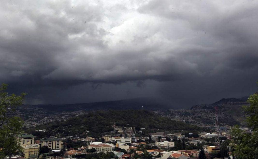 onda tropical hoy Honduras