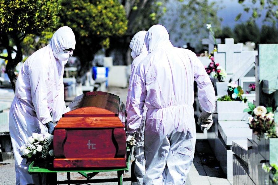 Muere octogenario en triaje capitalino esperando cupo en el hospital.
