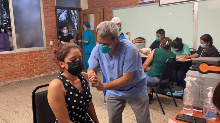 SESAL: Lunes iniciará vacunación a menores de 20 años en Cortés