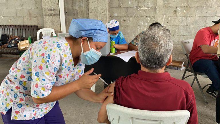 ¿Quiénes se vacunan este viernes contra el COVID-19 en Honduras?