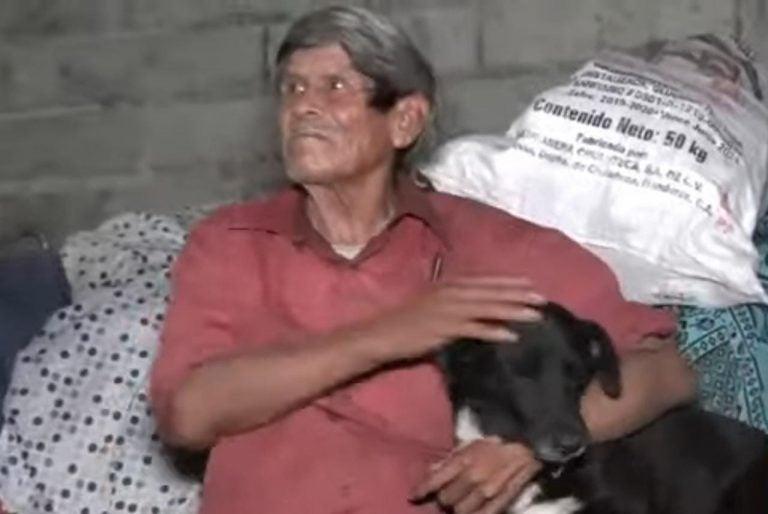 Tegucigalpa: Claman ayuda para un anciano que perdió todo en un incendio