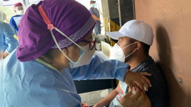 Sesal: Hay 600 vacunas rezagadas a diario, población no acude a inocularse