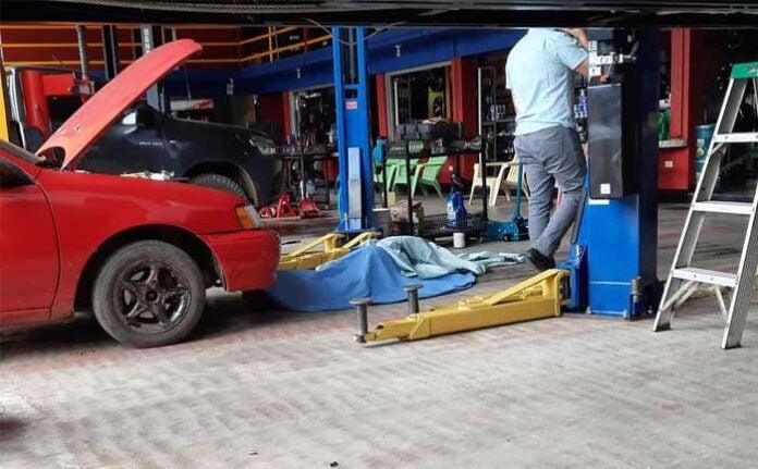 Catacamas: matan a empresario cuando estaba arreglando un carro