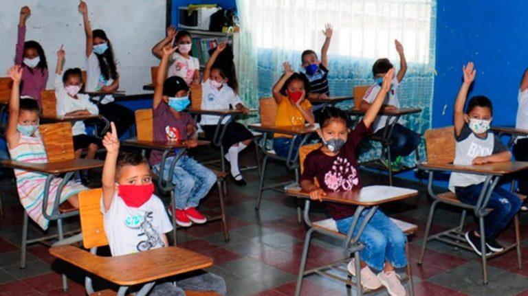 «Es inconcebible» regresar a las aulas de clases, dice dirigente magisterial
