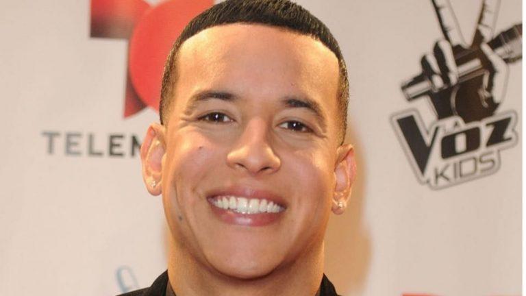 Daddy Yankee cumple sueño a niño que operarán a corazón abierto