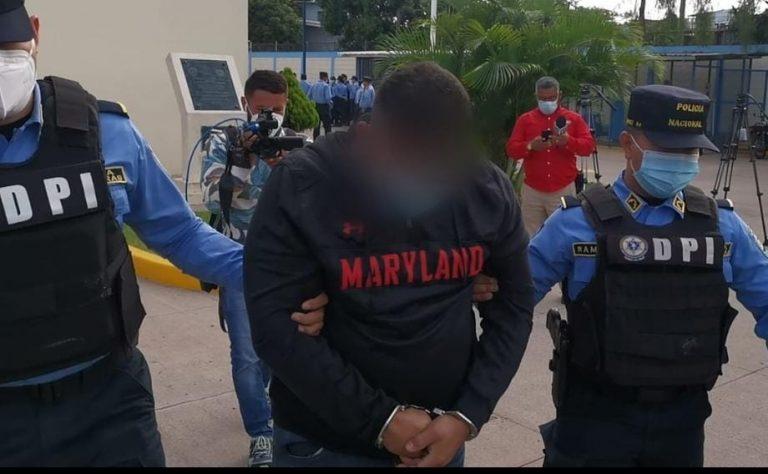 Arrestan a sospechoso de intentar matar a policías que gozaban de día libre