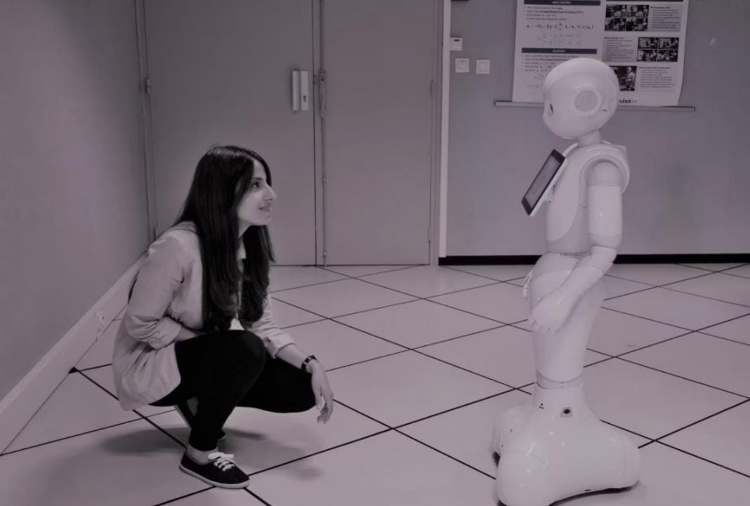 hondureña experta en robótica