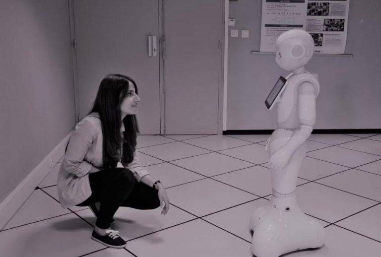 Hondureña experta en robótica dirige proyecto y a 44 científicos en Londres