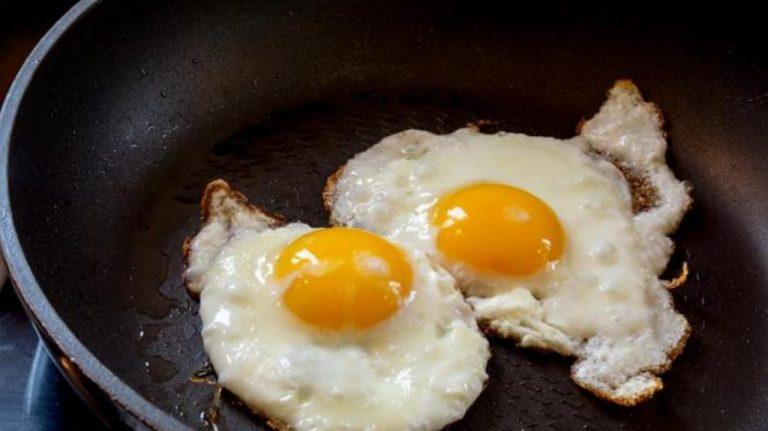 Conoce los sorprendentes beneficios de comer dos huevos al día