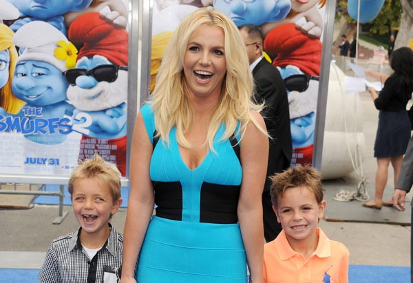 Spears comentó que permanecía amenazada con que le quitarían a sus niños.
