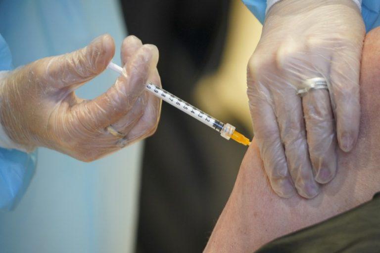 Cifras del coronavirus| ¿Funciona la vacuna en un sistema inmunológico débil?