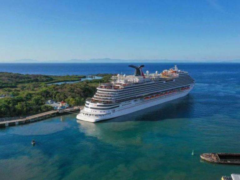 Crece el turismo en Roatán: llega segundo crucero con más de 2,700 pasajeros