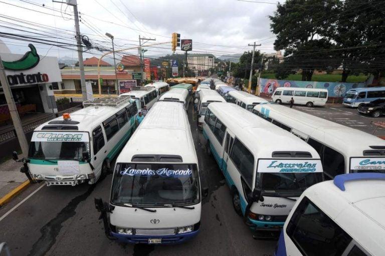 Dirigente: El paro del transporte a nivel nacional no está cancelado