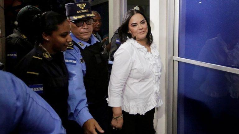 """""""Caja Chica de la Dama"""": reprograman juicio de """"Rosita"""" y su secretario privado"""