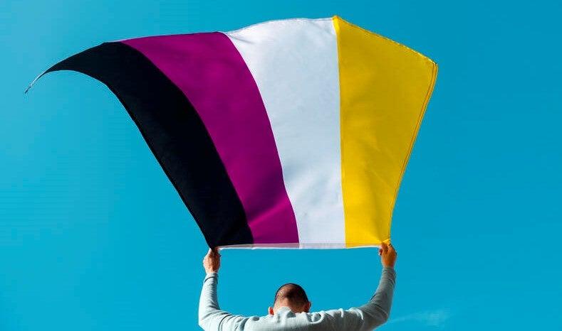 Argentina se vuelve el primer país de América Latina en reconocer la identidad no binaria en sus documentos de identificación.