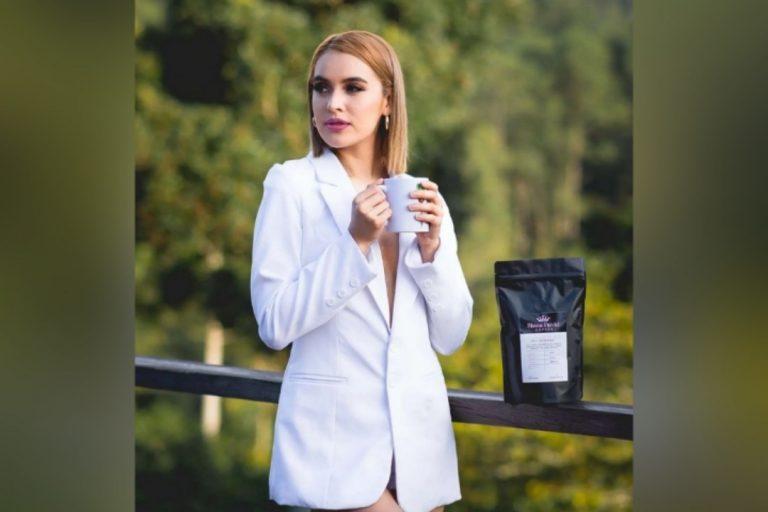 Locutora hondureña lanza su propia marca de café