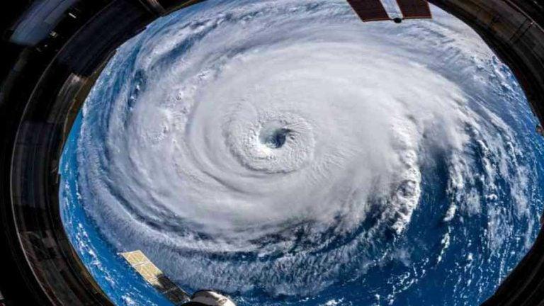 """Experto advierte: """"Se acerca el pico de huracanes del 2021"""""""