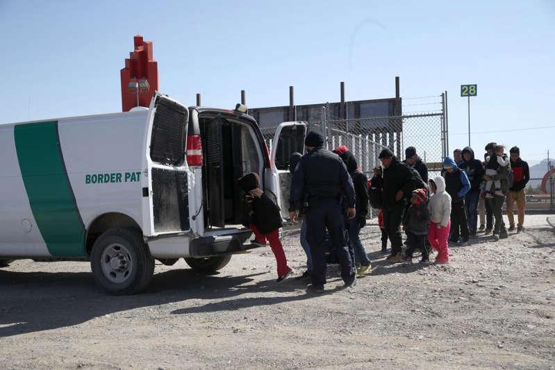 brote de piojos y covid en migrantes