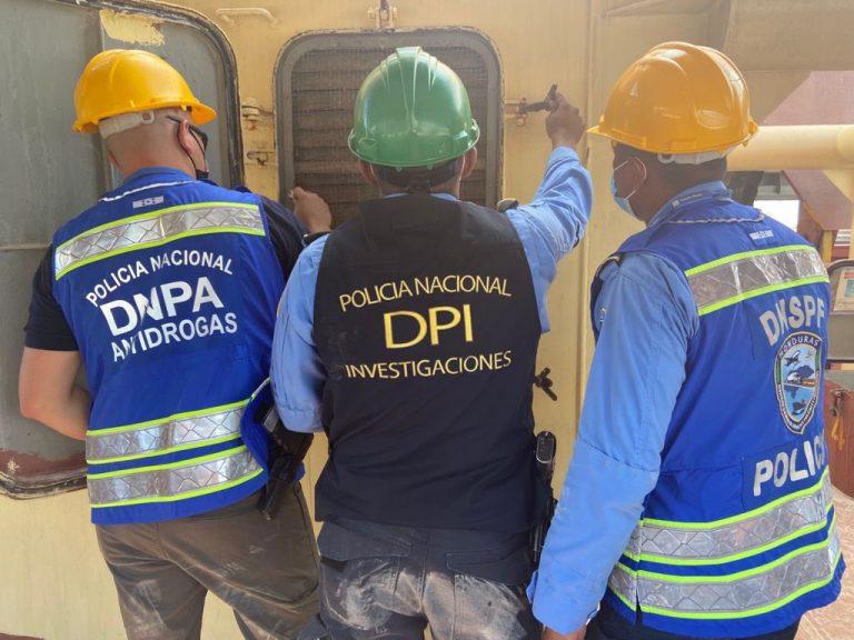 Reportan hallazgo de supuesta droga en barco de Puerto Cortés