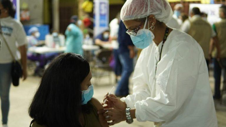 LUNES: vea quiénes se vacunan en TGU y SPS