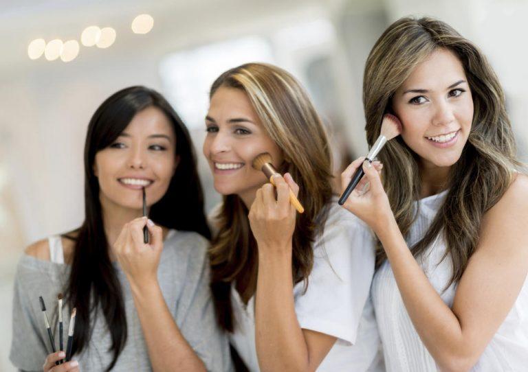 Seis productos de belleza que no debe compartir