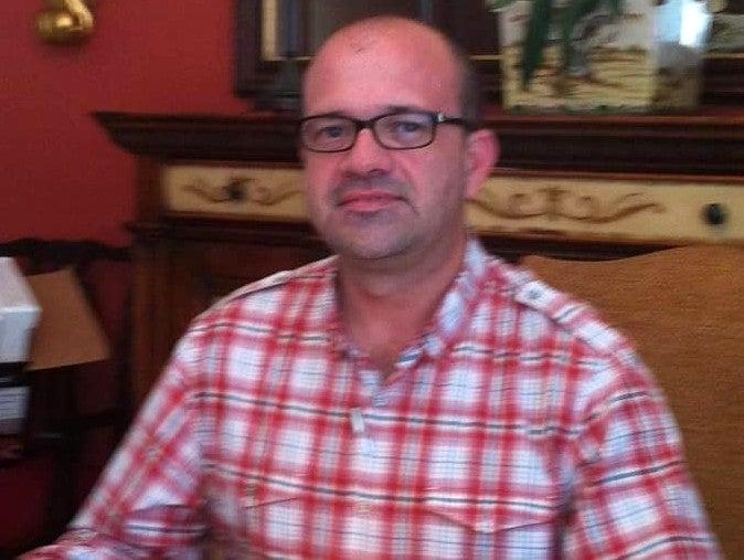 El ingeniero Carlos Flores.