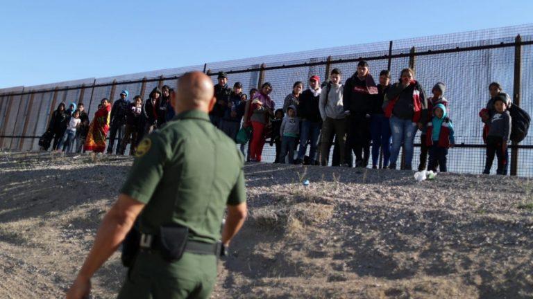 ¿Cómo funciona la deportación acelerada en frontera de EEUU?