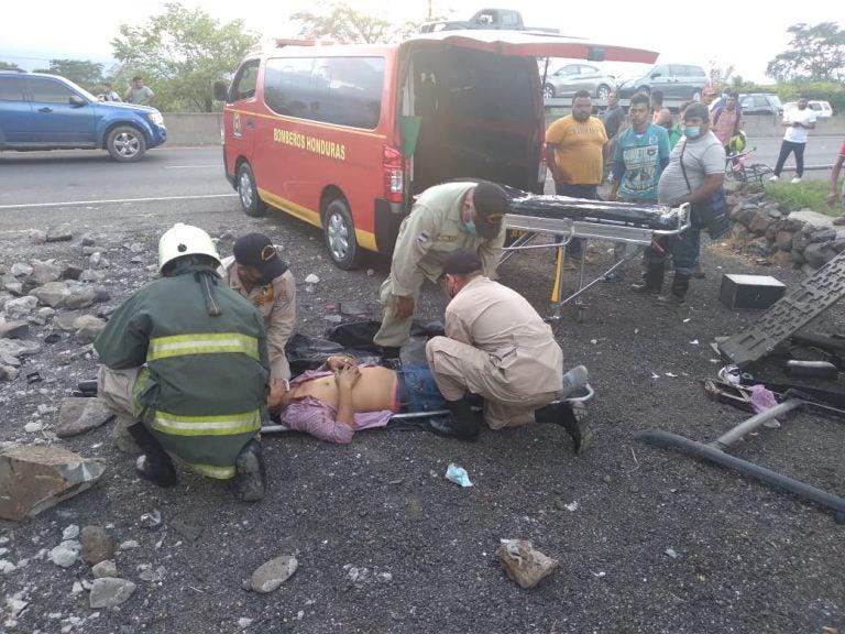 Fatal accidente en Yojoa deja tres heridos y una persona muerta