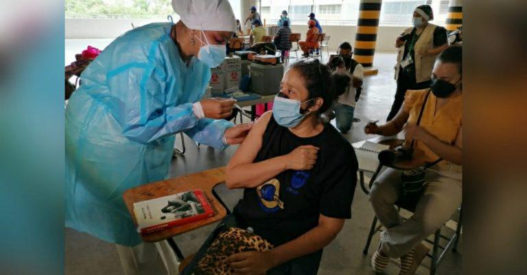UNAH retoma ensayo de cruce de vacunas contra la COVID-19