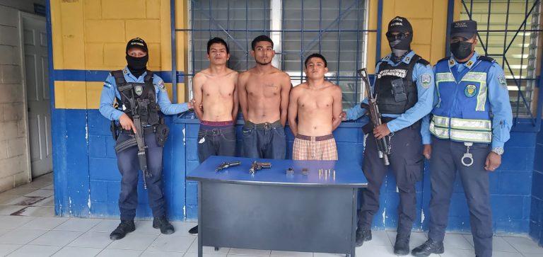 Llevaban a un hombre secuestrado: caen tres pandilleros en SPS