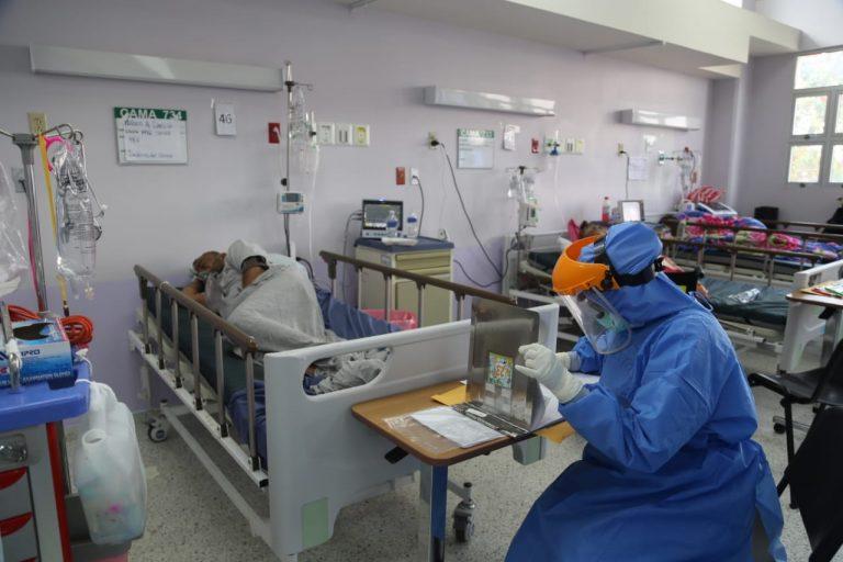 COVID-19 sigue propagándose: hospitales del país sin cupos en UCI