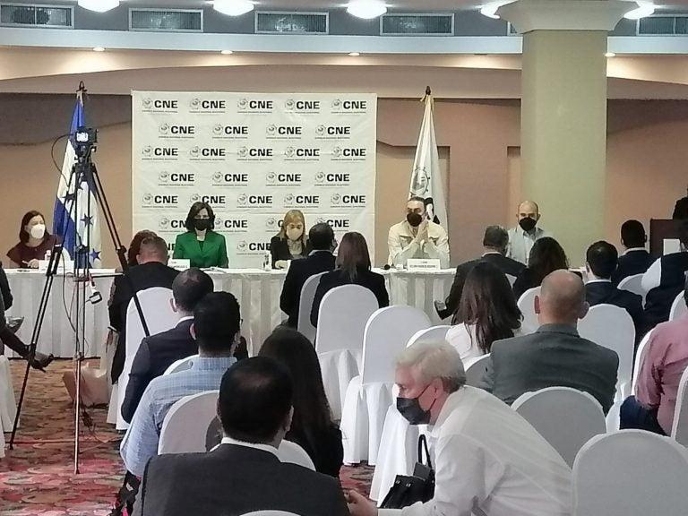 CNE recibe ofertas de 7 empresas para adjudicar el TREP
