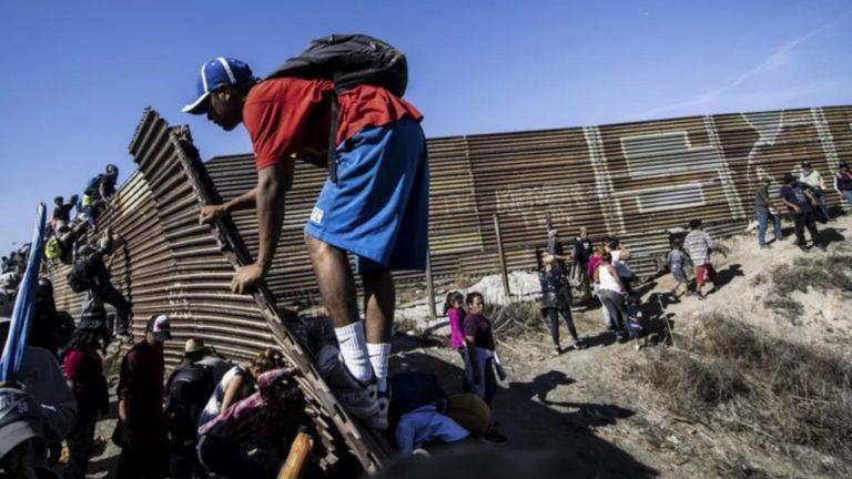 Cancillería de Honduras: Expulsión en frontera de EEUU ya inició