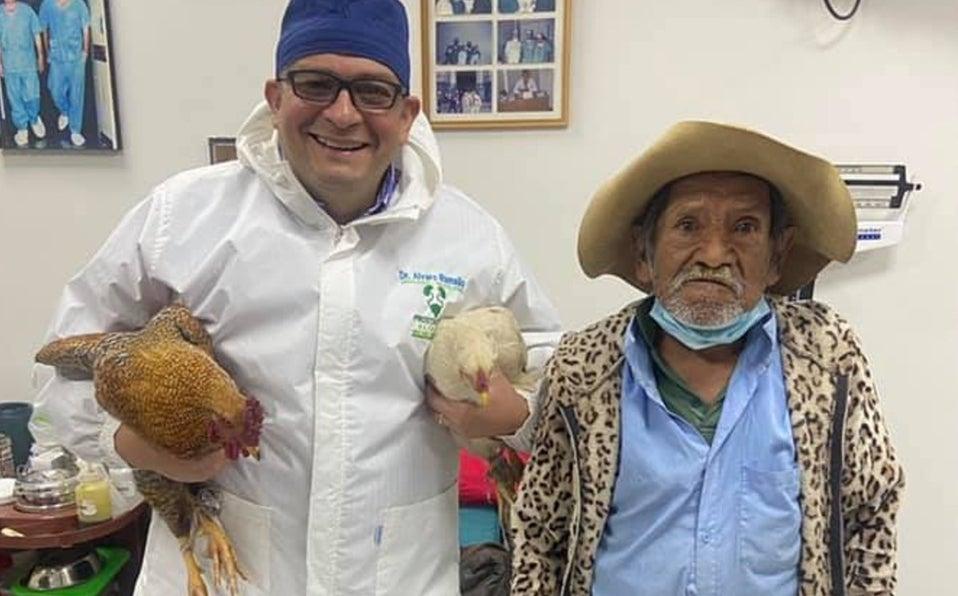 abuelito gallinas doctor Bolivia