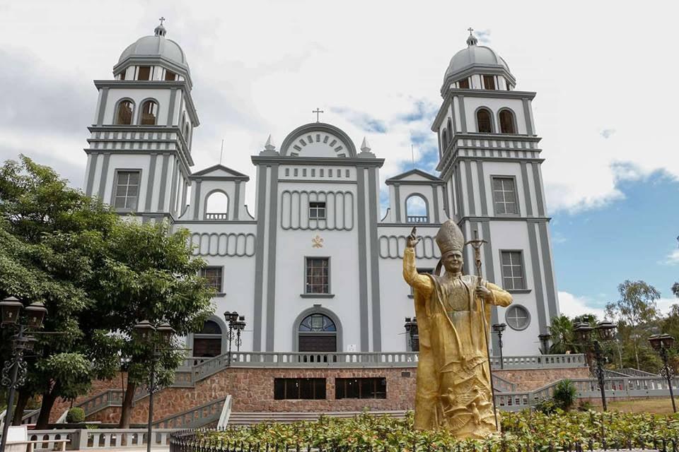 iglesia católica vacunación COVID-19