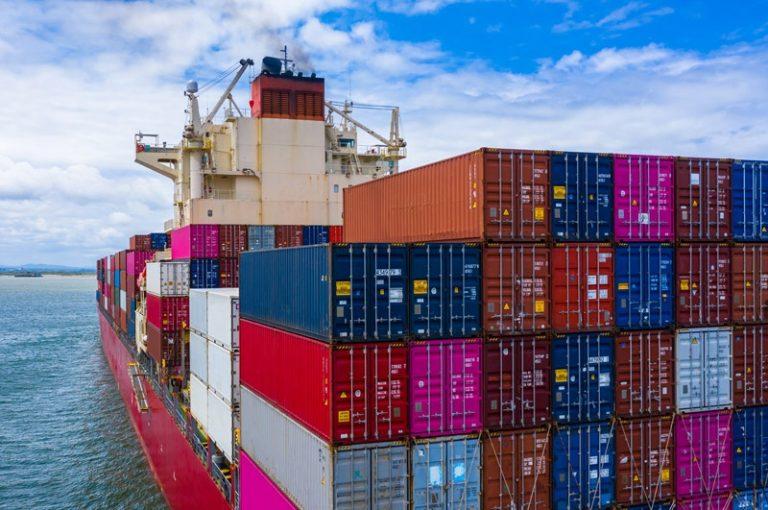 ¿Cómo la crisis en el transporte marítimo afecta tu bolsillo?